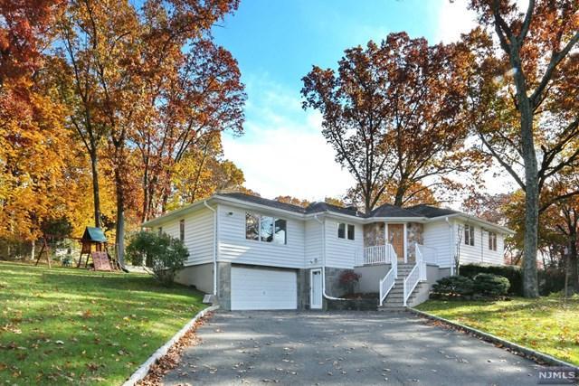 2 Hillcrest Road, Woodcliff Lake, NJ 07677 (#1846507) :: RE/MAX Properties