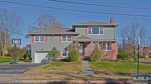 39-13 Kearns Place, Fair Lawn, NJ 07410 (#1846558) :: Group BK