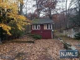 23 Setting Sun Trail, West Milford, NJ 07480 (#1846629) :: Group BK