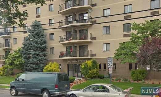 300 Park Street 5F, Hackensack, NJ 07601 (#1846791) :: RE/MAX Properties