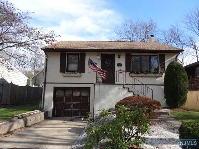 195 Howard Street, Twp Of Washington, NJ 07676 (#1847120) :: RE/MAX Properties