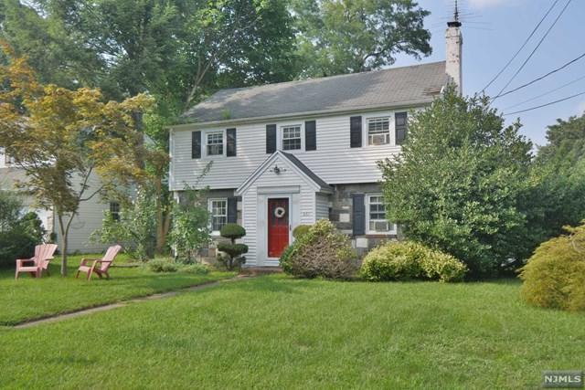 661 Linwood Avenue, Ridgewood, NJ 07450 (#1847303) :: Group BK