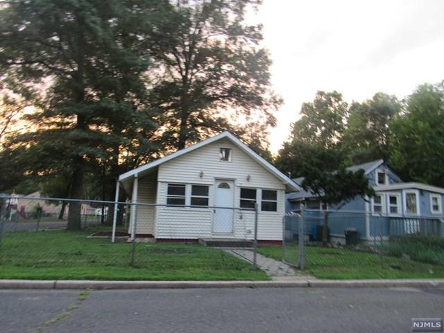 37 Riverside Drive, Oakland, NJ 07436 (#1847501) :: Berkshire Hathaway HomeServices Abbott Realtors