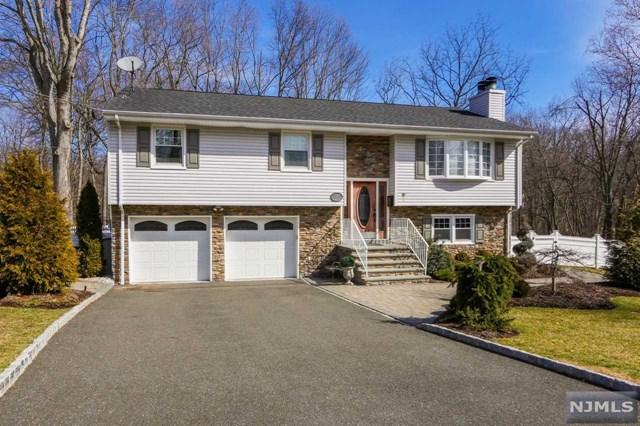 27 Ladik Place, Montvale, NJ 07645 (MLS #1848771) :: The Dekanski Home Selling Team