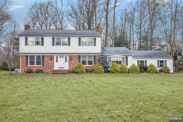 8 Hilton Place, Montvale, NJ 07645 (MLS #1848853) :: The Dekanski Home Selling Team