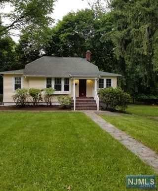34 N Kinderkamack Road, Montvale, NJ 07645 (MLS #1848881) :: The Dekanski Home Selling Team