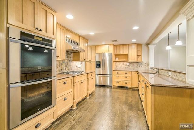 1440 Alps Road, Wayne, NJ 07470 (MLS #1849040) :: The Dekanski Home Selling Team