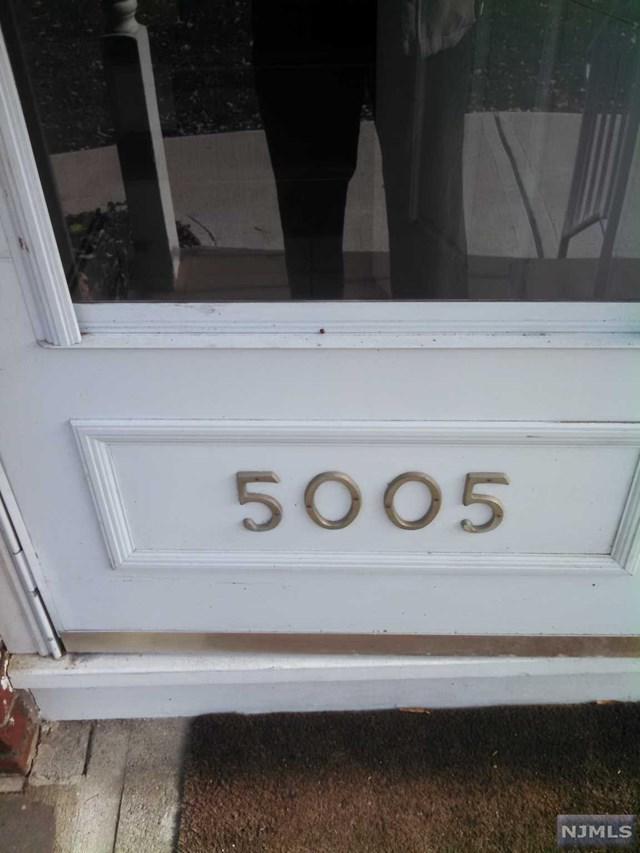 5005 Christopher Street, Ramsey, NJ 07446 (MLS #1849053) :: The Dekanski Home Selling Team