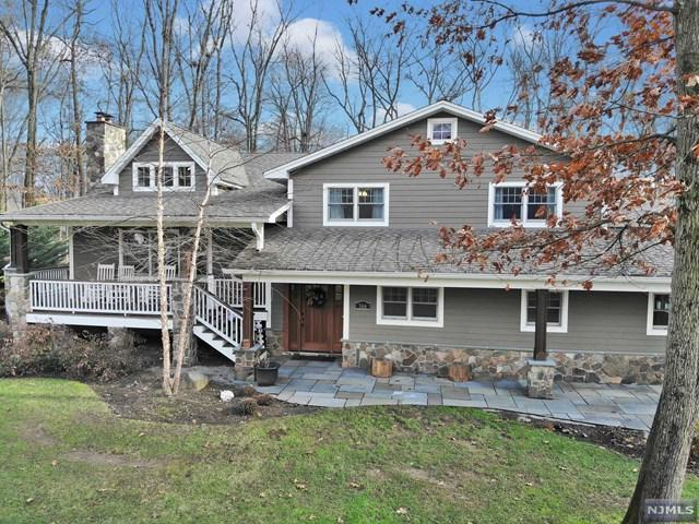 366 Harvey Court, Wyckoff, NJ 07481 (MLS #1849177) :: The Dekanski Home Selling Team
