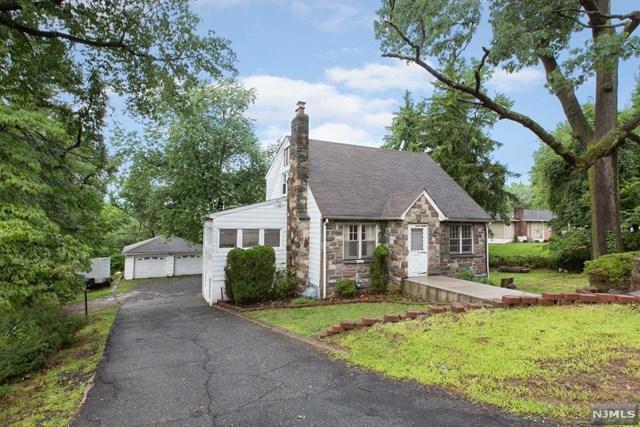932 Rifle Camp Road, Woodland Park, NJ 07424 (MLS #1849342) :: The Dekanski Home Selling Team