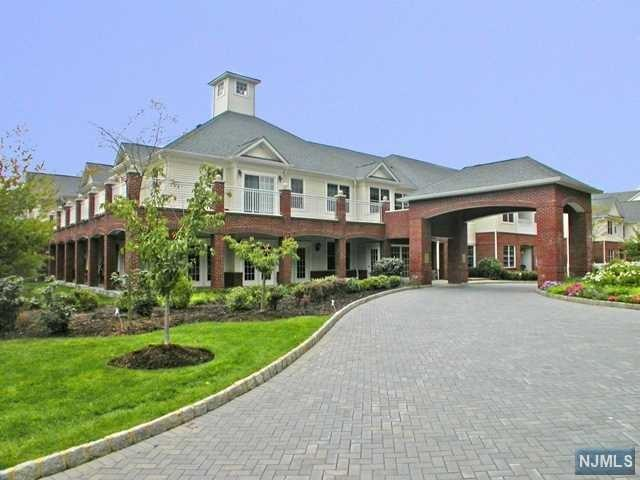 100 Ridgewood Road #117, Twp Of Washington, NJ 07676 (#1849561) :: Group BK