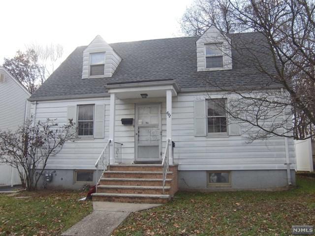 682-684 Elm Avenue, Ridgefield, NJ 07657 (MLS #1849633) :: William Raveis Baer & McIntosh