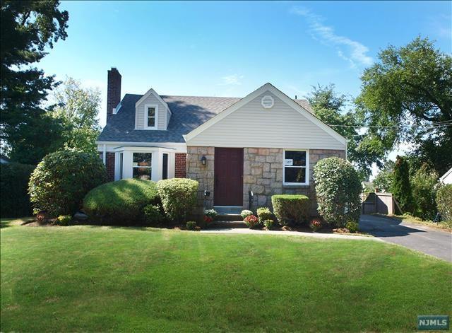 157 Adams Avenue, River Edge, NJ 07661 (#1849676) :: Berkshire Hathaway HomeServices Abbott Realtors