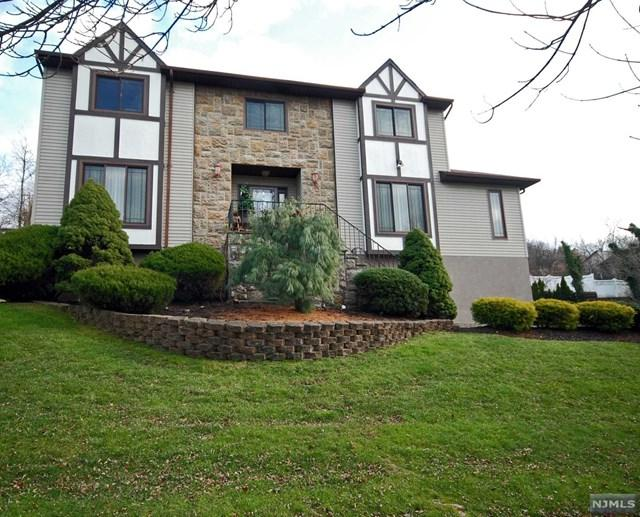 13 Alexandra Court, Woodland Park, NJ 07424 (MLS #1849719) :: The Dekanski Home Selling Team