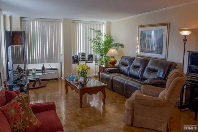 200 Winston Drive #319, Cliffside Park, NJ 07010 (MLS #1849791) :: The Dekanski Home Selling Team