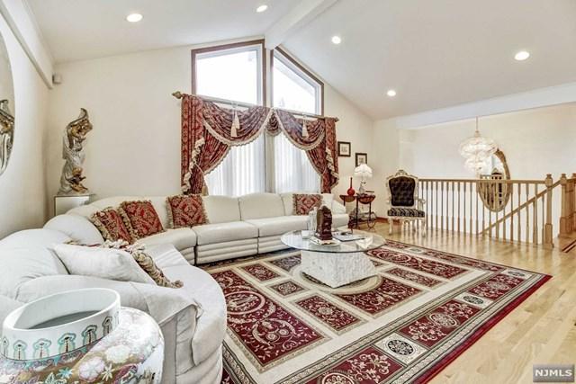 11 Lenape Trail, Upper Saddle River, NJ 07458 (#1850050) :: Berkshire Hathaway HomeServices Abbott Realtors