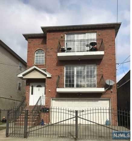 192-194 Emmet Street, Newark, NJ 07114 (MLS #1850571) :: William Raveis Baer & McIntosh