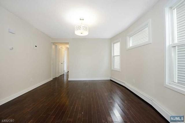 32 Chester Avenue, Newark, NJ 07104 (MLS #1850576) :: William Raveis Baer & McIntosh