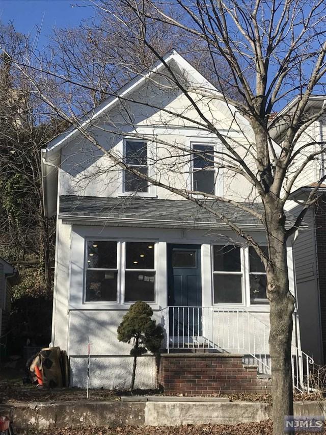 432 6th Street, Carlstadt, NJ 07072 (#1901573) :: Berkshire Hathaway HomeServices Abbott Realtors