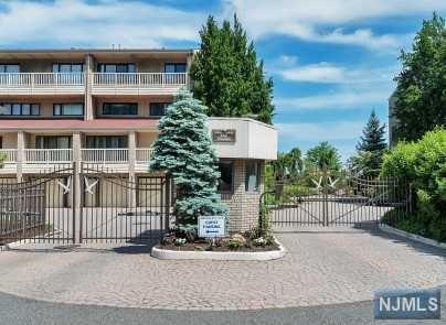 1225 River Road 2C, Edgewater, NJ 07020 (MLS #1901870) :: Team Francesco/Christie's International Real Estate
