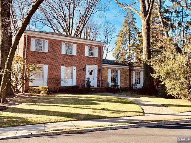 50 Bridle Way, Fort Lee, NJ 07024 (#1902016) :: Group BK
