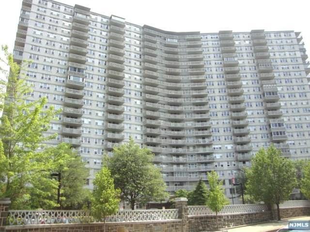 2000 Linwood Avenue 6S, Fort Lee, NJ 07024 (#1902825) :: Group BK