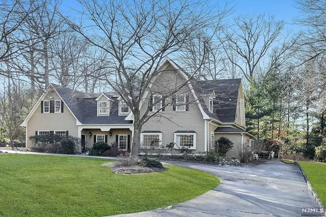 12 W Church Road, Saddle River, NJ 07458 (#1904386) :: Berkshire Hathaway HomeServices Abbott Realtors