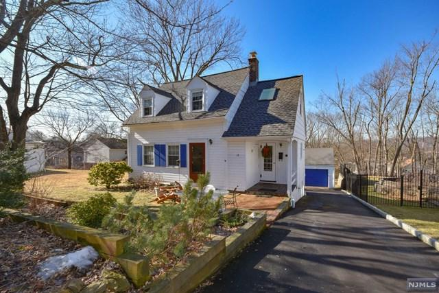 12 Sunset Terrace, Cedar Grove, NJ 07009 (MLS #1904851) :: William Raveis Baer & McIntosh