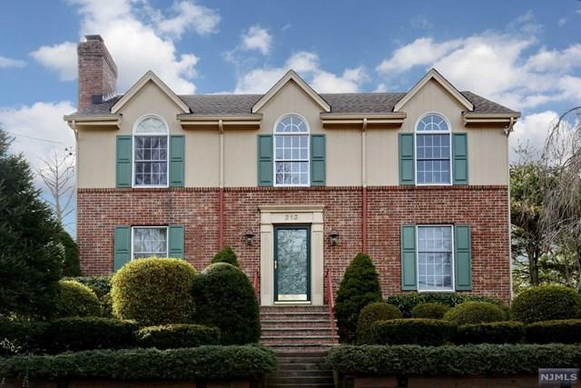 213 Hillside Avenue, Wyckoff, NJ 07481 (#1905025) :: Berkshire Hathaway HomeServices Abbott Realtors