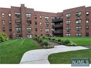 5 Oakdale Manor L9, Suffern, NJ 10901 (#1905216) :: Berkshire Hathaway HomeServices Abbott Realtors