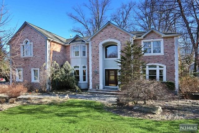 42 Berkshire Road, Woodcliff Lake, NJ 07677 (MLS #1905344) :: William Raveis Baer & McIntosh