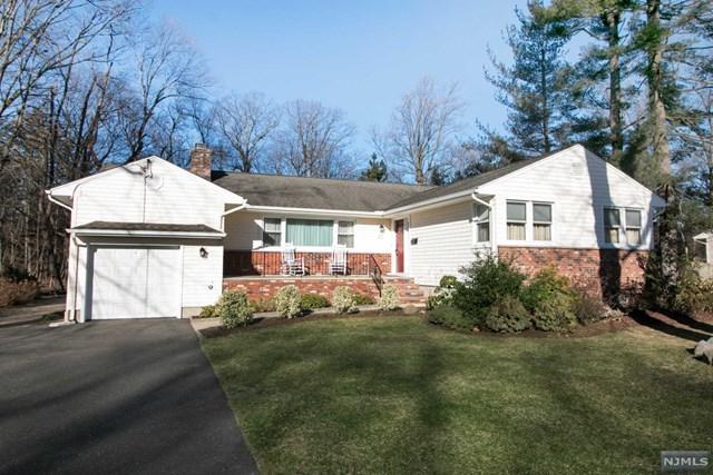 437 Caldwell Drive, Wyckoff, NJ 07481 (#1905418) :: Berkshire Hathaway HomeServices Abbott Realtors