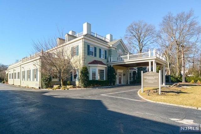 1124 E Ridgewood Avenue, Ridgewood, NJ 07450 (MLS #1905798) :: William Raveis Baer & McIntosh