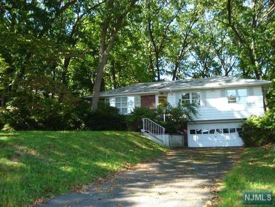 37-21 Berdan Avenue, Fair Lawn, NJ 07410 (#1905964) :: Berkshire Hathaway HomeServices Abbott Realtors