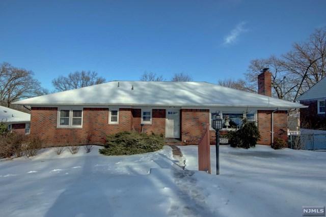 34-09 Hillside Terrace, Fair Lawn, NJ 07410 (#1905971) :: Berkshire Hathaway HomeServices Abbott Realtors
