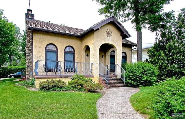 2-02 Cyril Avenue, Fair Lawn, NJ 07410 (#1906016) :: Berkshire Hathaway HomeServices Abbott Realtors