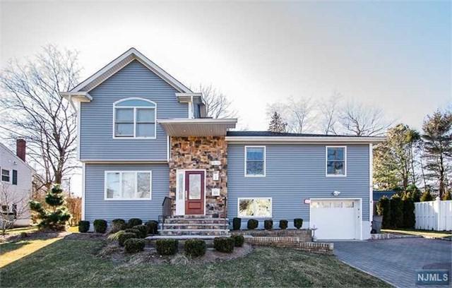 39-30 Knott Terrace, Fair Lawn, NJ 07410 (#1906106) :: Berkshire Hathaway HomeServices Abbott Realtors