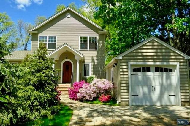 111 Clinton Avenue, New Milford, NJ 07646 (#1906180) :: Berkshire Hathaway HomeServices Abbott Realtors