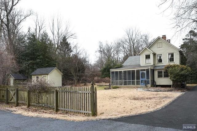 30 Louise Court, Allendale, NJ 07401 (MLS #1906252) :: William Raveis Baer & McIntosh