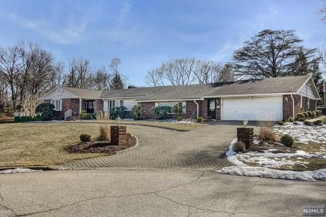 23 Hillcrest Drive, Little Falls, NJ 07424 (MLS #1906912) :: Team Francesco/Christie's International Real Estate