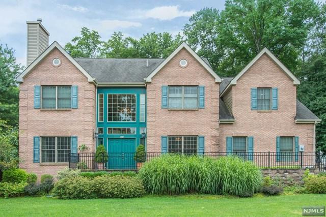 243 Horseneck Road, Fairfield, NJ 07004 (MLS #1907753) :: Team Francesco/Christie's International Real Estate