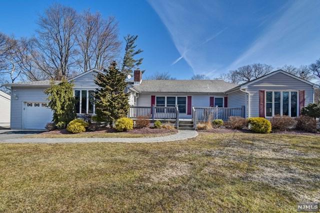 8 Morningside Circle, Little Falls, NJ 07424 (MLS #1908371) :: Team Francesco/Christie's International Real Estate