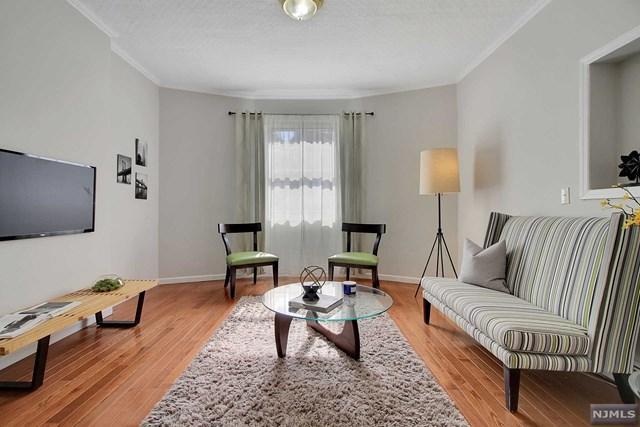6 Cooper Place, Weehawken, NJ 07086 (MLS #1910062) :: Team Francesco/Christie's International Real Estate