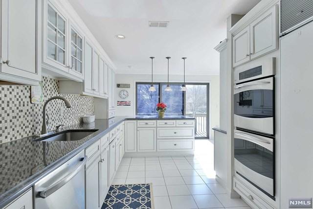 111 Aspen Court #111, Norwood, NJ 07648 (MLS #1910218) :: Team Francesco/Christie's International Real Estate