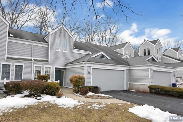 37 Woodlands Drive, Tuxedo, NJ 10987 (#1910380) :: Berkshire Hathaway HomeServices Abbott Realtors