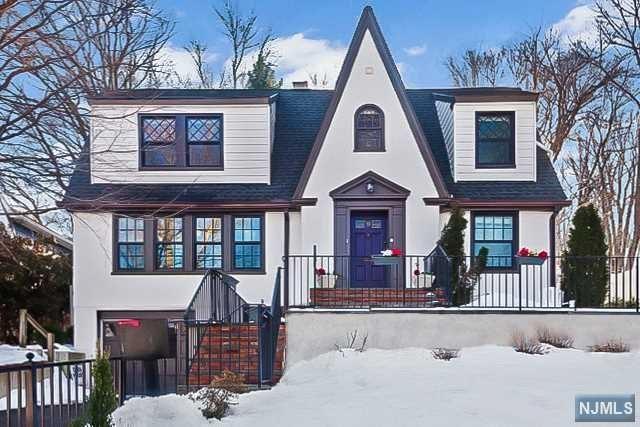 9 Beechwood Road, Verona, NJ 07044 (#1910492) :: Group BK