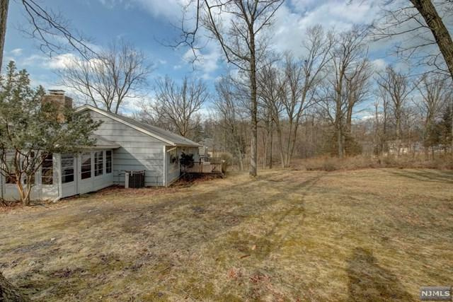 14 Old Farm Road, North Caldwell, NJ 07006 (#1910608) :: Group BK
