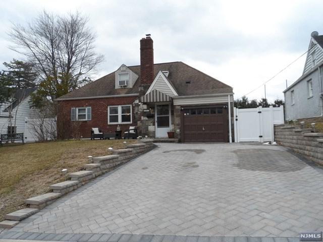 33 Wayne Avenue, River Edge, NJ 07661 (MLS #1910609) :: Team Francesco/Christie's International Real Estate