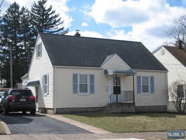 59 Hobart Place, Totowa, NJ 07512 (MLS #1910685) :: Team Francesco/Christie's International Real Estate
