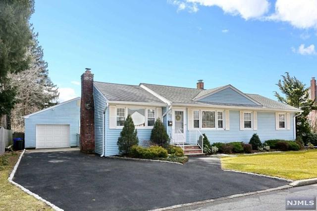 35 Dyer Avenue, Emerson, NJ 07630 (MLS #1910693) :: Team Francesco/Christie's International Real Estate